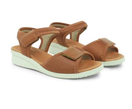 Sandália velcro marrom