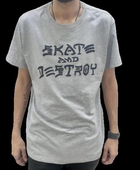 Camiseta Sad Skate and Detroy