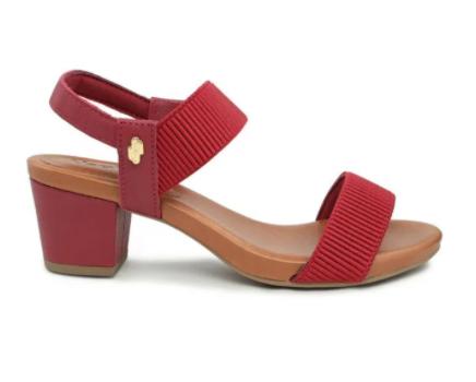 Sandália vermelha com elástico
